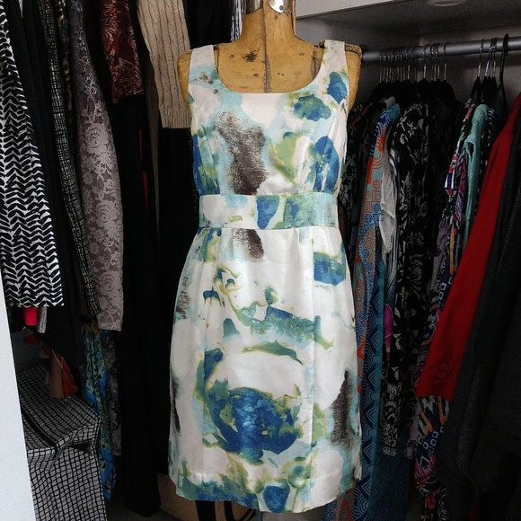 Banana Republic Dresses & Skirts - Banana Republic 100% Silk Sleeveless Print Dress